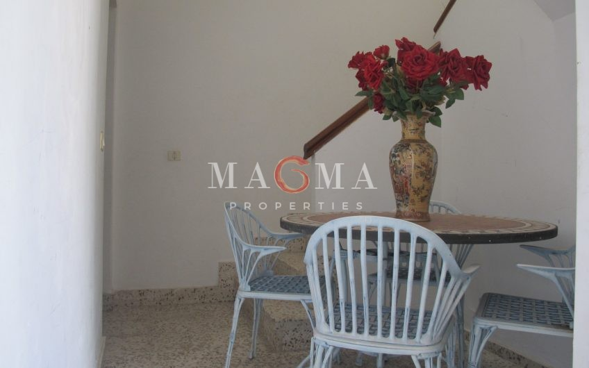 Opportunity! Old townhouse in San Miguel Pueblo