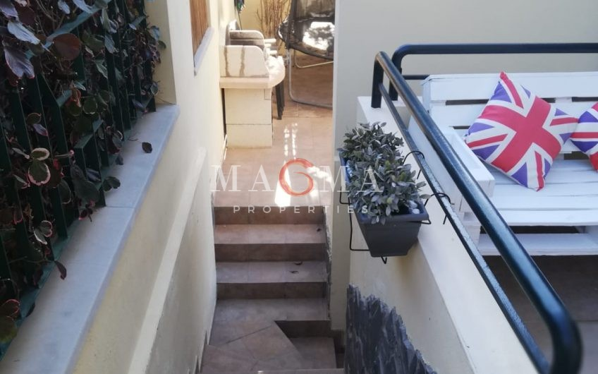 Townhouse with huge garden in Llano del Camello